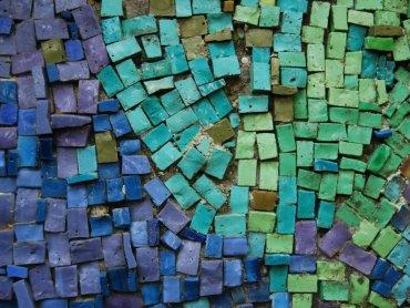 Na warsztatch w Muzeum Górnośląskim dzieci będą miały okazję stworzyć prawdziwe mozaiki (fot. mat. pixabay)