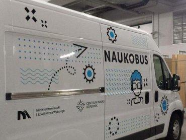 Naukobus to mobilna wystawa Centrum Nauki Kopernika (fot. mat. organizatora)