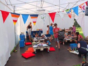 Off Festival to świetnie zorganizowana impreza również dla rodziców z dziećmi. Na zdjęciu ubiegłoroczna edycja (fot. zgn)