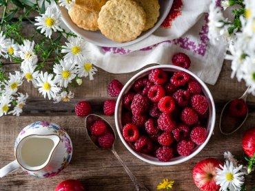 """""""Ogród śniadaniowy"""" to nie tylko wspólny posiłek ale i zabawa (fot. mat. pixabay)"""