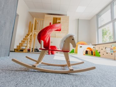 Drewniany Konik to nowe miejsce zabaw dla dzieci (fot. mat. bawialni)