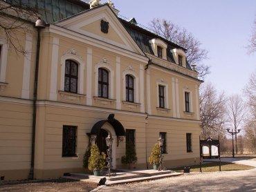 Pałac w Rybnej (fot. Quark/Wikipedia)