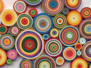 Z pasków kolorowego papieru można zrobić cuda (fot. materiały organizatora)