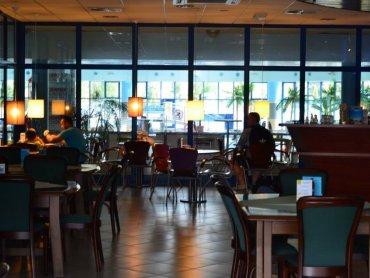 """Bar """"Łódka"""", który będzie serwował pierogi znajduje się w tym samym budynku, co aquapark """"Nemo"""" (fot. materiały baru """"Łódka"""")"""