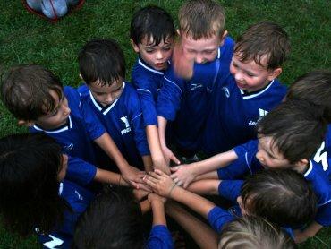 Miejskiego Zarządu Usług Komunalnych w Gliwicach zaprasza dzieci na bezpłatne zajęcia piłkarskie (fot. foter.com)