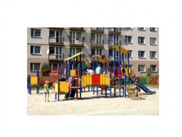 Nowy plac zabaw przy ul. Pszczyńskiej w Gliwicach (fot. mat. MZUK)