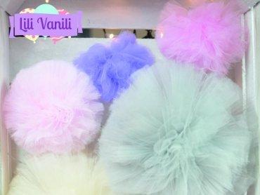 Tiulowe pompony firmy Lili Vanili są do wygrania w naszym konkursie (fot. mat. Lili Vanili)