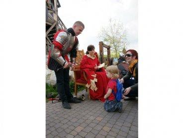 Podczas kolejnego spotkania w Warowni Pszczyńskich Rycerzy chłopcy zostaną pasowani na rycerzy (fot. mat. Warowni)