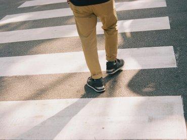 Jak ważne jest przestrzeganie zasad bezpiecznego poruszania się na drogach dowiedzą się uczestnicy spotkań w CH Auchan  (fot. foter.com)