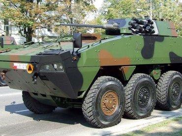 Kołowy transporter opancerzony - Rosomak (fot. Hiuppo/wikipedia)