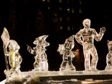 Warsztaty tworzenia rzeźb lodowych odbędą się 18 grudnia na Placu Baczyńskiego w Tychach (fot. foter.com)