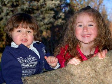Konflikty między rodzeństwem da się rozwiązać (fot.sxc.hu)