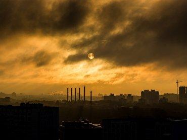 Zła jakość powietrza spowodowała, że przejazdy środkami komunikacji na liniach KZK GOP, MZKP i MZK, a także Kolei Śląskich są dziś bezpłatne (fot. pixabay)