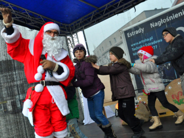 """Mikołaj będzie zabawiał dzieci, do alpak będą się one mogły przytulić, będzie też możliwość obejrzenia spektaklu """"Dziadek do orzechów i cztery królestwa"""" (fot. mat. organizatora)"""