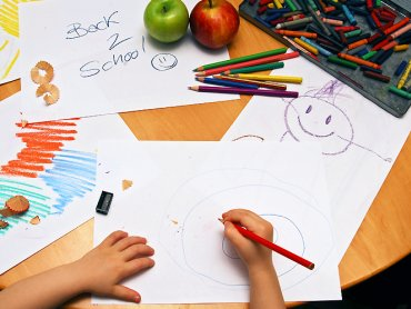 Bardzo ważne jest odpowiednie nastawienie dziecka do pójścia do szkoły. W tym największa jest rola rodziców (fot. sxc.hu)
