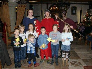 Podczas imprez w Warowni Pszczyńskich Rycerzy dzieci świetnie się bawią i uczą nowych rzeczy (fot. mat. Warowni)