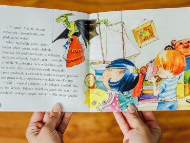 """""""Królewna Lenka łapie skrzaty"""" to jedna z serii książek o królewnie, która spodoba się przedszkolakom (fot. Ewelina Zielińska)"""