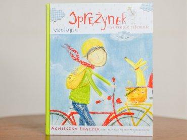 """""""Sprężynek na tropie tajemnic"""" to książka Agnieszki Frączek, którą wydało wydawnictwo Bis (fot. Ewelina Zielińska)"""