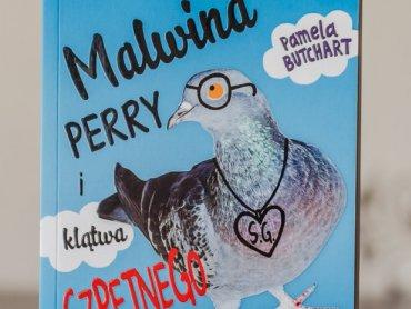 """""""Malwina Perry i klątwa szpetnego gołębia"""" to zabawna i pełna optymizmu książka od wydawnictwa Zielona Sowa (fot. Ewelina Zielińska)"""
