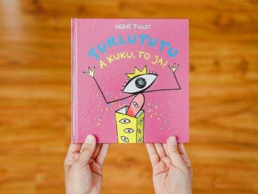 """Turlututu, a kuku to ja!"" to kolejna interaktywna książka Tulleta (fot. Ewelina Zielińska)"