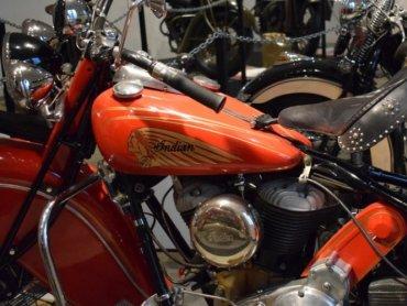 Każde zajęcia będą kończyć się mini sesją zdjęciową z motocyklami (fot. mat. Muzeum Hutnictwa Cynku WALCOWNIA))