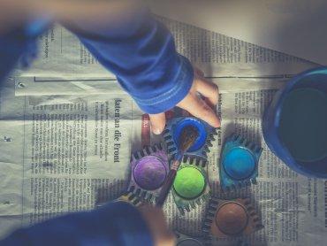 Podstawy malarskiej wiedzy dzieci poznają na warsztatach w Muzeum Górnośląskim (fot. pixabay)