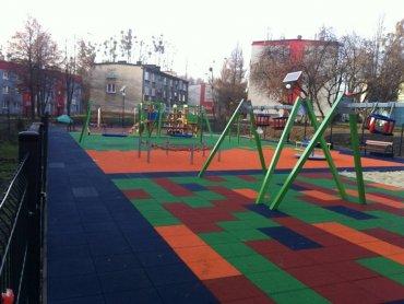W ramach budżetu obywtaleskiego w Zabrzu postawiono nowy plac zabaw (fot. mat. prasowe)