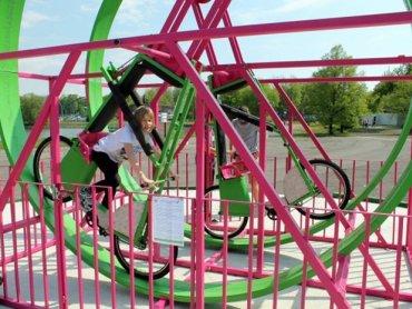 Cyklodrom to jedna z 25 nowych atrakcji chorzowskiego wesołego miasteczka (fot. materiały Parku Śląskiego)