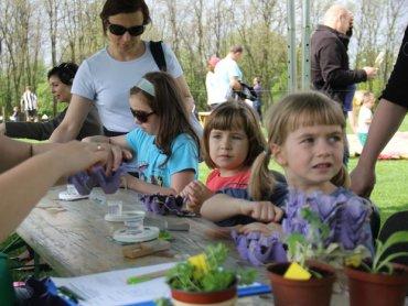 Święto wiatru to zabawa dla całych rodzin (fot. materiały Ogrodu Botanicznego)