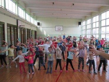 W Zespole Szkół Społecznych w Bytomiu dzieci kochają WF (fot. mat. szkoły)