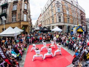 Ubiegłoroczne obchody Dnia Dziecka na katowickim rynku (fot. mat. Mash Up Events)