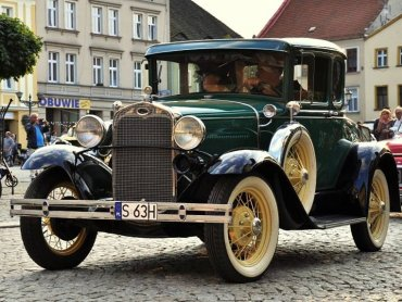 fot. archiwum zdjęć na Fb Tarnogórskiego Zlotu Pojazdów Zabytkowych